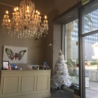 Photo taken at Luxe Nail & Spa Boutique by Geli on 12/17/2017