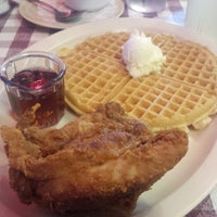 Photo taken at Roscoe's House of Chicken and Waffles by Richard A. on 2/28/2015