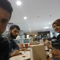 Photo taken at Pizza Pizza by Serhat ÖZÖLMEZOĞLU on 2/11/2015