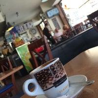 Foto tomada en Lorena Café Fuengirola por Nasser M. el 5/23/2015