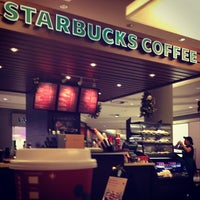 Photo taken at Starbucks by Andre M. on 11/30/2012
