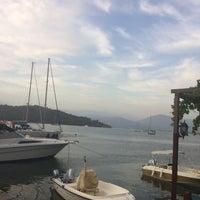 Foto scattata a Fethiye Yengeç Restaurant da Serdar C. il 5/22/2018