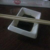 Foto tirada no(a) Kamakura Sushi por Altais T. em 12/30/2012