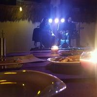 Foto tomada en El palmar Beach Restaurant por Ivan J. el 1/29/2017