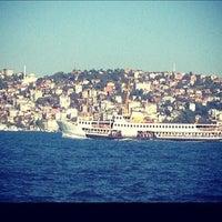 Foto tirada no(a) Yeniköy Sahili por Asia em 2/24/2013