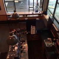 รูปภาพถ่ายที่ Herkimer Coffee โดย Lizzy G. เมื่อ 3/25/2014