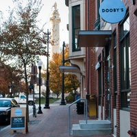Foto tomada en Dooby's por Dooby's el 12/7/2013