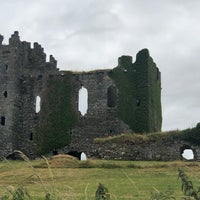 Photo taken at Ballycarbery Castle by Liren T. on 7/7/2018