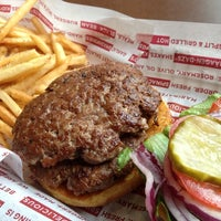 Photo taken at Smashburger by Bil B. on 5/18/2013