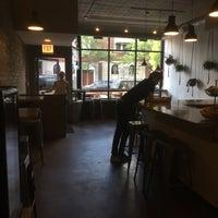 Foto diambil di Damn Fine Coffee Bar oleh Zak B. pada 6/24/2017