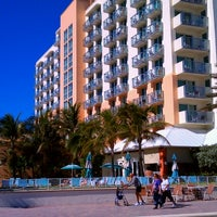 Photo taken at Marriott Hollywood Beach by Dez on 11/19/2012