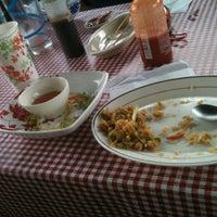 Photo taken at Pho Thai Restaurant by Robert E. on 3/26/2013