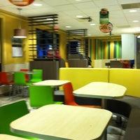 Photo taken at McDonald's of Nanakuli by Robert E. on 11/26/2012