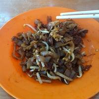 Photo taken at Restoran Yong Len by Michelle Y. on 2/26/2013