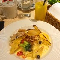 Photo taken at IL-PINOLO CAFFE by Kazumi M. on 11/22/2014
