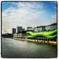 Das Foto wurde bei Les Docks – Cité de la Mode et du Design von Yvan B. am 6/25/2013 aufgenommen