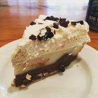 Foto scattata a Leoda's Kitchen & Pie Shop da John B. il 10/12/2015