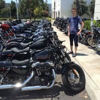 รูปภาพถ่ายที่ Orange County Harley-Davidson โดย Dmitry S. เมื่อ 7/4/2013