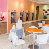 Photo taken at Smallcakes Cupcakery - Raleigh by Smallcakes Cupcakery - Raleigh on 2/23/2017