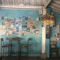 Foto scattata a Le Pirate Eat Club & Bar da Anna N. il 12/27/2014