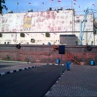 Photo taken at Kapal PLTD Apung by Kamarul Hafizh on 6/6/2013