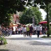 Photo taken at Wochenmarkt am Kollwitzplatz by Anne on 6/15/2013