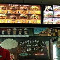 Foto tomada en Burger King por JC B. el 3/9/2013