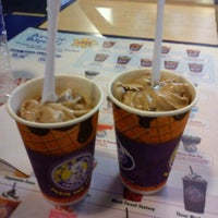 Photo taken at Spike's Frozen Treats, SM Mall Of Asia by Thom W. on 10/14/2012