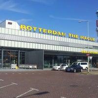 Das Foto wurde bei Rotterdam The Hague Airport von Petka K. am 4/24/2013 aufgenommen