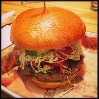 Photo prise au Bareburger par Octavio D. le9/24/2013