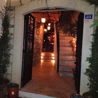 Photo taken at Göz Lounge by T@şkın S. on 10/23/2012