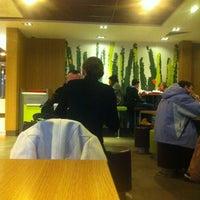 Снимок сделан в McDonald's пользователем Viktor T. 1/7/2013