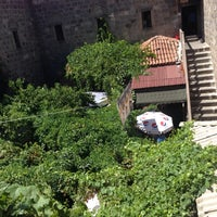 Photo taken at Ayşe Özkan Sanat Atölyesi Suluhan by Ayşe Ö. on 8/16/2014