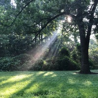Das Foto wurde bei Atlanta BeltLine Trailhead @ Bobby Jones Golf Course von Rosemary C. am 7/12/2018 aufgenommen
