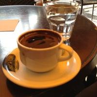 Foto tomada en Cadde İstiklal Pasta & Cafe por Zeynep el 2/24/2013