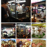 Photo taken at Chulia St. Night Hawker Stalls by charllypiyo on 2/2/2013