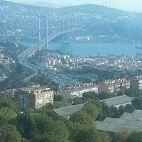 10/16/2012 tarihinde CANANNziyaretçi tarafından Point Hotel Barbaros'de çekilen fotoğraf