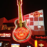 Photo taken at Hard Rock Cafe Tokyo by Reiji K. on 1/18/2013