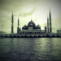 Photo taken at Masjid Kristal by Putra H. on 11/6/2012