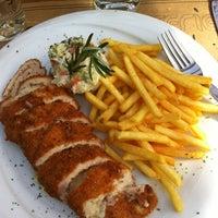 3/31/2013 tarihinde Senem F.ziyaretçi tarafından Brasserie Polonez'de çekilen fotoğraf