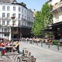 10/14/2012 tarihinde Avery R.ziyaretçi tarafından Place Saint-Géry / Sint-Goriksplein'de çekilen fotoğraf