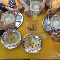 Photo taken at Shakti Chelo's Appam Stall by Lorena R. on 4/21/2018