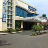 Photo taken at BRI Cabang Lamongan by Redi H. on 11/8/2012