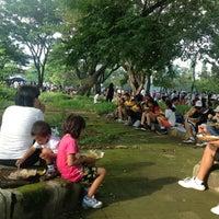 Photo taken at Parkir Timur Lapangan Niti Mandala Renon by Redi H. on 4/21/2013