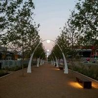 Foto tirada no(a) Klyde Warren Park por Jacqueline F. em 11/29/2012