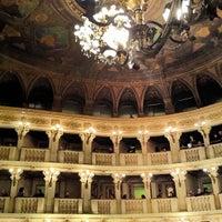 รูปภาพถ่ายที่ Teatro Comunale โดย Sam เมื่อ 4/10/2013