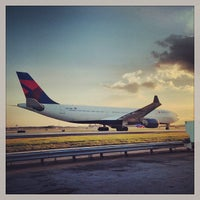 Photo taken at Hartsfield-Jackson Atlanta International Airport (ATL) by Ryan H. on 9/27/2013