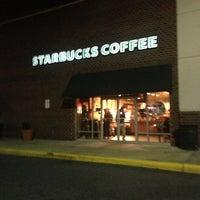 Photo taken at Starbucks by Luis O. on 12/28/2012
