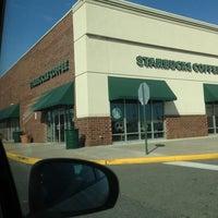 Photo taken at Starbucks by Luis O. on 3/10/2013