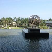 Photo taken at Sheraton Hua Hin Resort & Spa by Kwan w. on 2/19/2013
